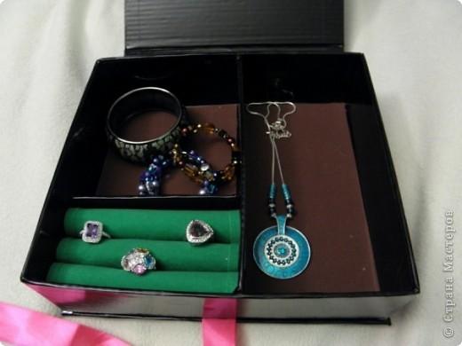Эту коробочку я делала в подарок знакомой, у которой была проблема с хранением бижутерии. фото 8