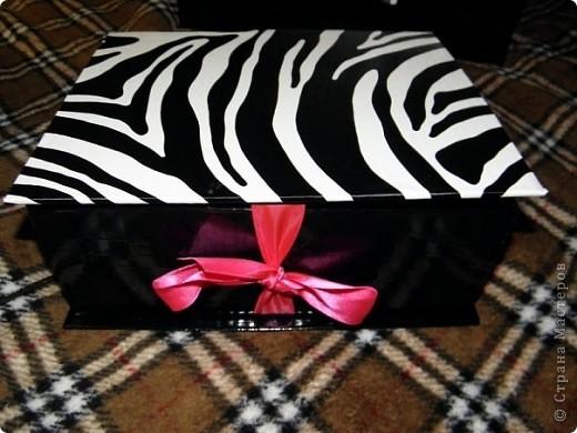 Эту коробочку я делала в подарок знакомой, у которой была проблема с хранением бижутерии. фото 11