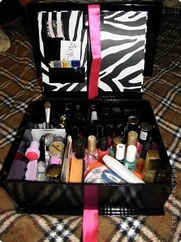 Эту коробочку я делала в подарок знакомой, у которой была проблема с хранением бижутерии. фото 12