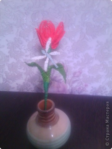 Это мой первый цветок в технике бисероплетение. фото 1
