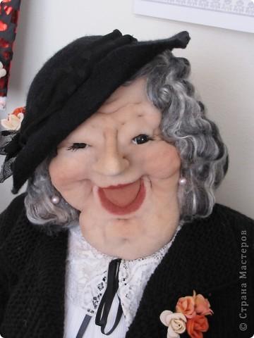 У нас в Запорожье ко Дню Кукольника,прошла выставка кукол.Выставлялись запорожские мастера кукол первый раз,но был полный аншлаг!Заранее прошу прощения,что не всех мастеров назову и не о всех техниках смогу рассказать...Но не могу удержаться,зная,что многим мастерам будет интересно. фото 16