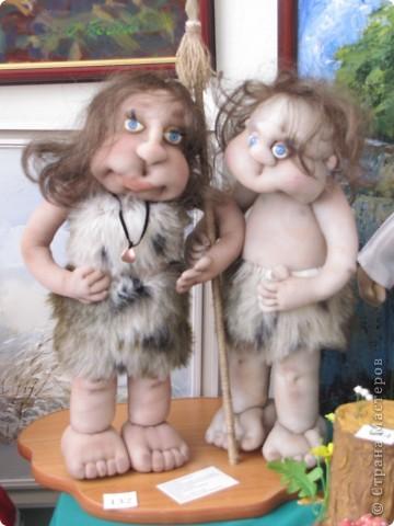 У нас в Запорожье ко Дню Кукольника,прошла выставка кукол.Выставлялись запорожские мастера кукол первый раз,но был полный аншлаг!Заранее прошу прощения,что не всех мастеров назову и не о всех техниках смогу рассказать...Но не могу удержаться,зная,что многим мастерам будет интересно. фото 27