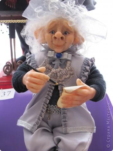 У нас в Запорожье ко Дню Кукольника,прошла выставка кукол.Выставлялись запорожские мастера кукол первый раз,но был полный аншлаг!Заранее прошу прощения,что не всех мастеров назову и не о всех техниках смогу рассказать...Но не могу удержаться,зная,что многим мастерам будет интересно. фото 46