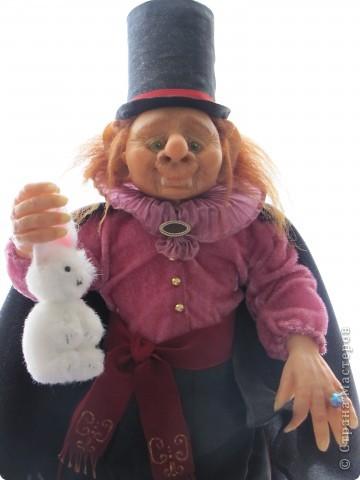 У нас в Запорожье ко Дню Кукольника,прошла выставка кукол.Выставлялись запорожские мастера кукол первый раз,но был полный аншлаг!Заранее прошу прощения,что не всех мастеров назову и не о всех техниках смогу рассказать...Но не могу удержаться,зная,что многим мастерам будет интересно. фото 47