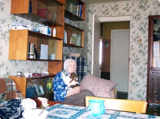Уметь стареть - вершина мудрости и одна из труднейших сторон великого искусства жизни.                                                   Амьель  Анри Фредерик   Я  согласна со всеми, что наши репортажи о домашних животных и вкусных пирогах красивы и полезны, но я решила рискнуть и выставить на Ваш суд  фоторепортаж  на очень серьезную,  болезненно-загоняемую в глубины нашего сознания, тему – Наши Старики, будь они нам нашими дорогими и любимыми родителями, дедушками и  бабушками, соседями или просто, проходящие, тихой походкой, мимо. фото 5