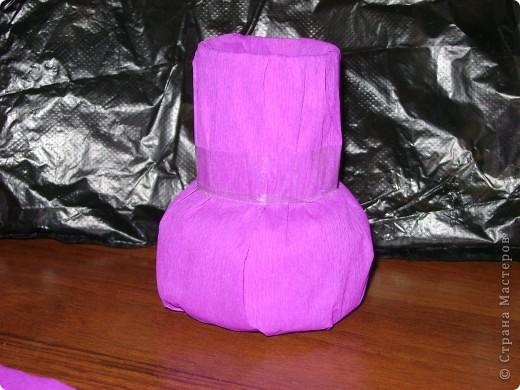 поэксперементировала с гофротрубочками и получилась вот такая вазочка фото 3