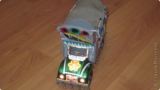 Вот такие сувенирные машины ручной работы (мини копии настоящих машин) фото 4