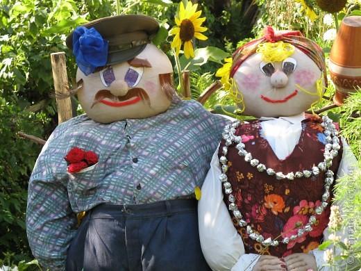 Вот такие баба Капа и деда Шершуля живут у нас в огороде уже два года. фото 2