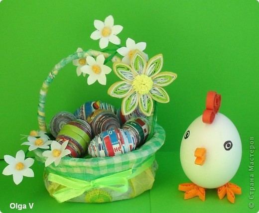 Готовимся к Пасхе. Очень понравились яйца из журнальных листов на корейском сайте http://blog.naver.com/paper6262 Только там подарочные яйца, в которых внутри конфетки.  Я решила сделать пасхальные яйца из журнальных и рекламных листов в корзинке.  фото 9