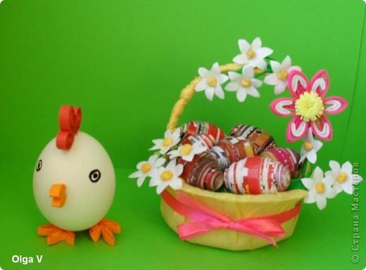 Готовимся к Пасхе. Очень понравились яйца из журнальных листов на корейском сайте http://blog.naver.com/paper6262 Только там подарочные яйца, в которых внутри конфетки.  Я решила сделать пасхальные яйца из журнальных и рекламных листов в корзинке.  фото 8