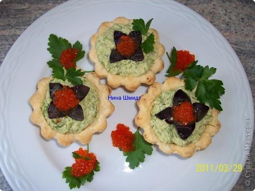 Тарталетки с авокадо и икрой минтая фото 1