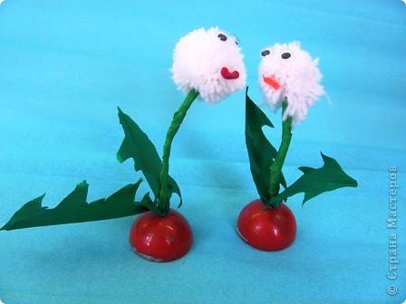 Ромашка - мой образец, завтра будем делать такие цветы с детьми. Ножка из проволочки, обмотана гофрированной бумагой, поэтому гнется куда вам надо... фото 5