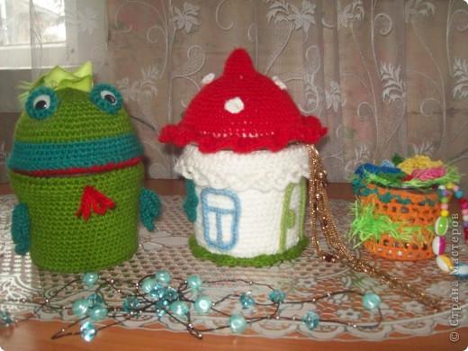 В подарок дочкам связала три шкатулки. Основа- ведёрки из под майонеза. фото 1