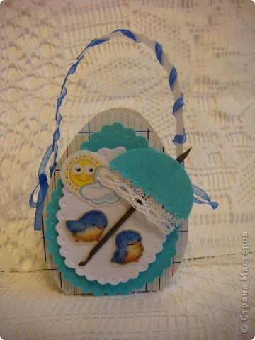 Эти подарочные сумочки для гостинцев. Мама рассказывала. что все самое вкусненькое дети получали на Пасху, а также какую-нибудь обновку (не смотря на то, что жили в СССР!). фото 4