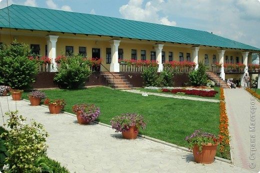Женский монастырь в Молдове фото 4