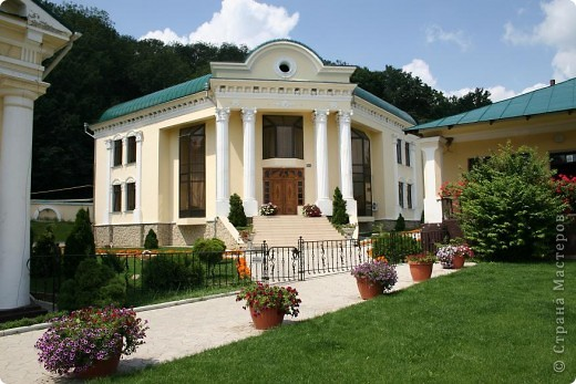 Женский монастырь в Молдове фото 6