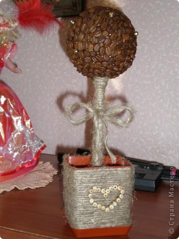 Девочки подскажите как дооформить деревце,мне кажется чего то не хватает)) фото 1