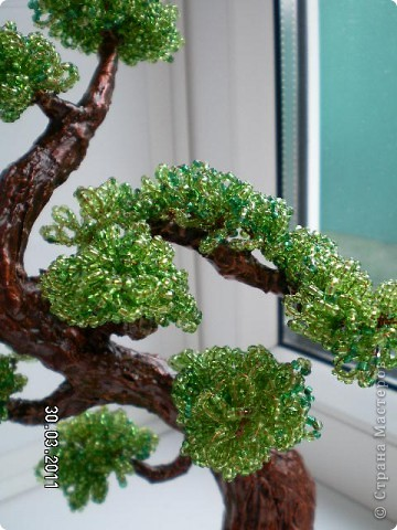 """Ну наконец-то я сделала бонсай, и поэтому такое название """"Долгожданный"""". Вообще я начала заниматься бисерными деревьями ради бонсая, уж очень они мне нравятся.  фото 2"""