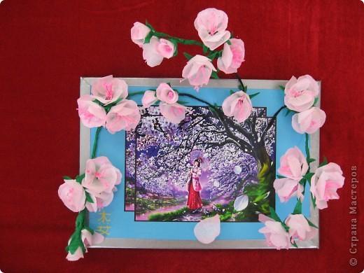"""Фото-панно """"Сакура цветет!Пришло весны очарование!"""" ...""""Печальна ли та Что восходящему солнцу во след Под сакурой нежно мечтает""""... Сакура (это вид вишни) прекрасна, многообразна и очень почитаема в Японии. Сделала небольшой МК (впервые) по изготовлению цветочков сакуры.Прошу прощения, если что не так. фото 16"""