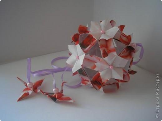 """Очеь мне понравилась кусудамка - весенняя и действительно похожана цвет вишни. Хто автор, я запуталась, вот и выставляю все, что нашла. Судить Вам. Кусудама """"Pretty ball"""" -  Автор: Анжелика Пасько Kusudama """"Flor de Cerejeira"""" - Автор:  Leroy´s Cherry Blossom  фото 2"""