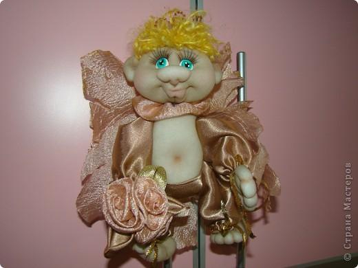 Получился такой многофункциональный ангелок, он может сидеть фото 2