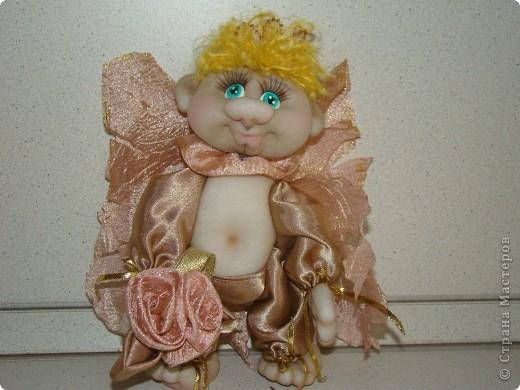 Получился такой многофункциональный ангелок, он может сидеть фото 3