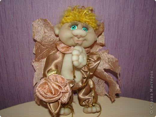 Получился такой многофункциональный ангелок, он может сидеть фото 4
