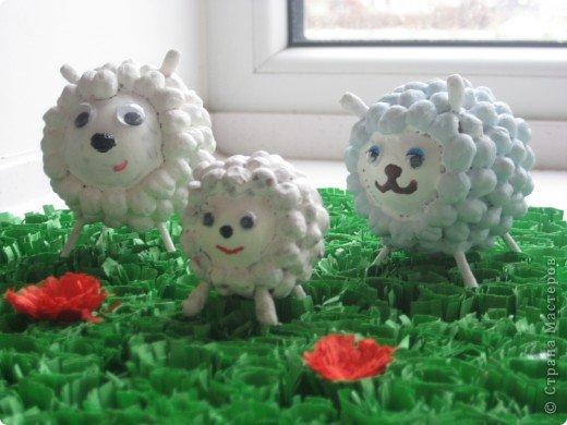 Игрушки на елку своими руками овечка из ватных палочек