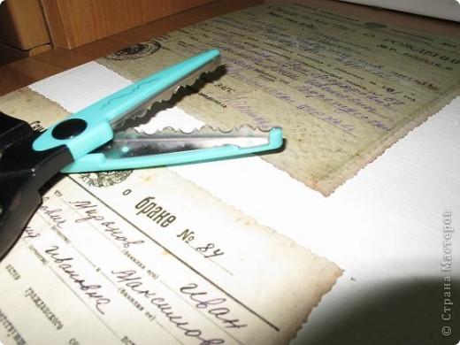 Нашла старую отцовскую папку с документами. Сокровища!!!Сначала хотела их все прямо на стенку в кухне наклеить(обои надо менять), но здравый смысл в лице моей старшей дочери победил. Вот, родились часы. фото 5