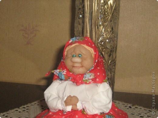 Бабулечка-крохотулечка. Она же грелка на маленькую чайную чашку. фото 5
