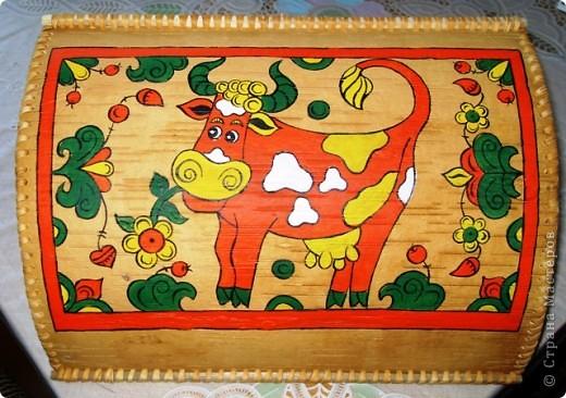 Попробовала расписать изделия пермогорской росписью.Мне  она очень понравилась!Простая, яркая и поднимающая настроение, даже дети легко смогут нарисовать таких коровок и птичек!))) фото 3