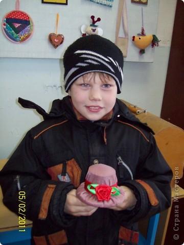 Алексей сшил эту шляпу в подарок маме. фото 1
