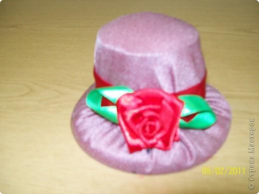 Алексей сшил эту шляпу в подарок маме. фото 2
