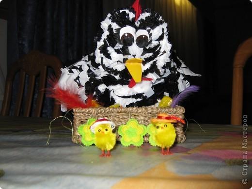 курочка-рябушка родилась из мусорных пакетов...Спасибо за идею Людмиле Васиной! фото 4