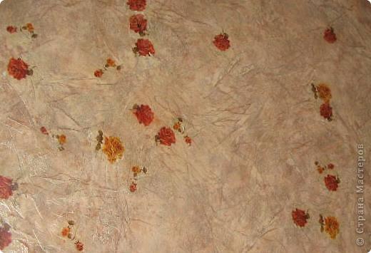 После ремонта линолеум Стал в мелких пятнышках. После моих поделок (при покраске) добавились пятна лака и красок. Подстилки Были, но уследить за всем не возможно. Вот и пришла идея. фото 6