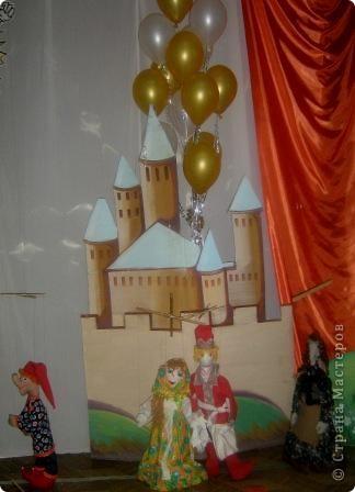 В нашем городе в конце 3 четверти в школе проходила городская выставка детского творчества. Множество разнообразных работ в разных техниках.  фото 1