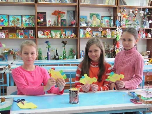 У нас на станции юных техников работает прекрасный педагог Короткина Ольга Викторовна. Она работает с малышами в детском саду и с ребятами в школе. К Пасхе она придумала много интересного. Хочу показать некоторые из этих работ. Думаю педагогам, да и родителям должно пригодиться. фото 3