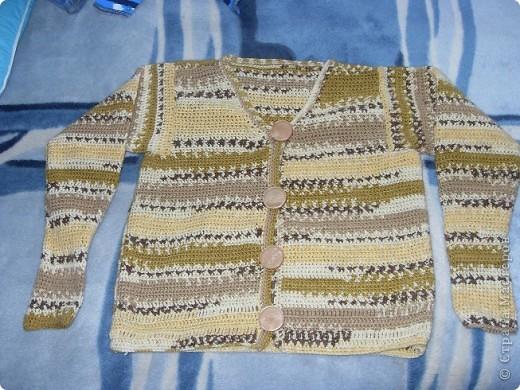 вязаный крючком свитер для сестры