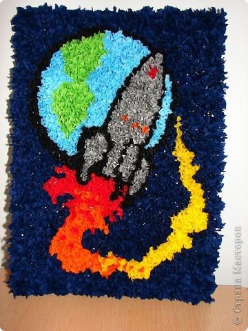 Сделала вот такую работу в детский сад на выставку, посвященную дню космонавтики фото 2