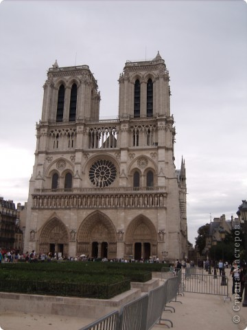 В прошлом году я была в Париже.  А забыть Париж невозможно!!! Так захотелось туда снова. Хотя бы на картине фото 7