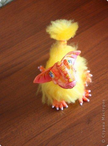 Приближающаяся пасха напомнила о яйцах, яйца о цыплятах... Потом ассоциативный ряд довел меня до ЭТОГО. Трогательный пушистый зверь. Высотой с ладонь. фото 5