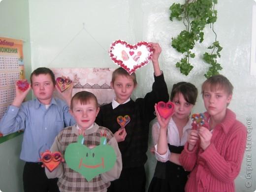 Вот такие валентинки учащиеся 4 класс приготовили к выставке. фото 1