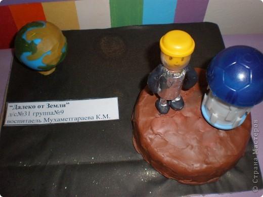 В нашем детсаду в спортивном зале проходила выставка работ, посвящённая дню космонавтики.  фото 3