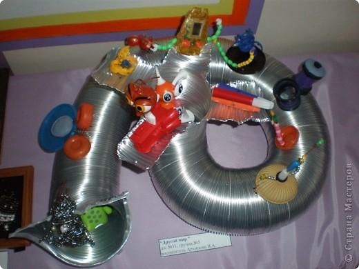 В нашем детсаду в спортивном зале проходила выставка работ, посвящённая дню космонавтики.  фото 5
