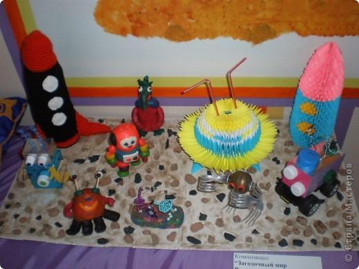 В нашем детсаду в спортивном зале проходила выставка работ, посвящённая дню космонавтики.  фото 14