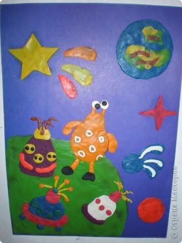 В нашем детсаду в спортивном зале проходила выставка работ, посвящённая дню космонавтики.  фото 25