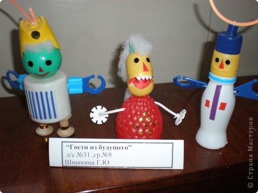 В нашем детсаду в спортивном зале проходила выставка работ, посвящённая дню космонавтики.  фото 28