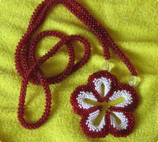 Подвеска - объемный цветок, Шнур - цетырехгранка