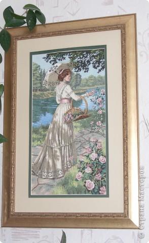 """""""Крыльцо"""" из наборов Чаривна мить. Моей маме, Любови Леонтьевне, 71 год, но она по-прежнему много вышивает. Это ее подарок мне из недавних работ. фото 3"""