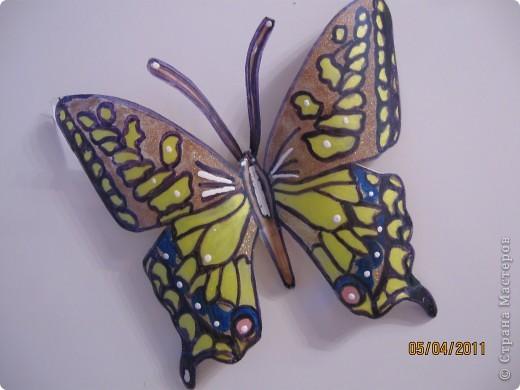 Прочитала в журнале, как можно сделать бабочек из пластиковых бутылок фото 3